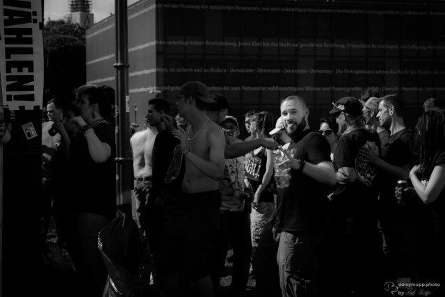 Protest Raver von Daisymupp64