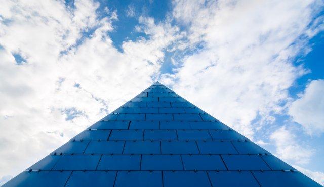 Pyramide in Hannover von Hajo Schumacher
