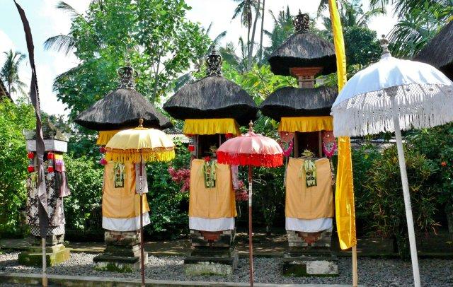 Götter im Tempel, Bali 10 von RüdigerLinse