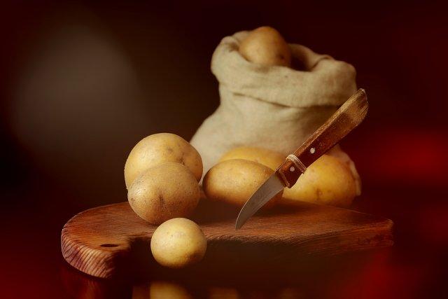Stillleben mit Kartoffeln 02 von Richard Rduch