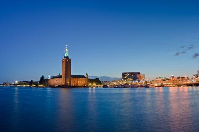 Stockholm bei Nacht - Stadshuset von flössie