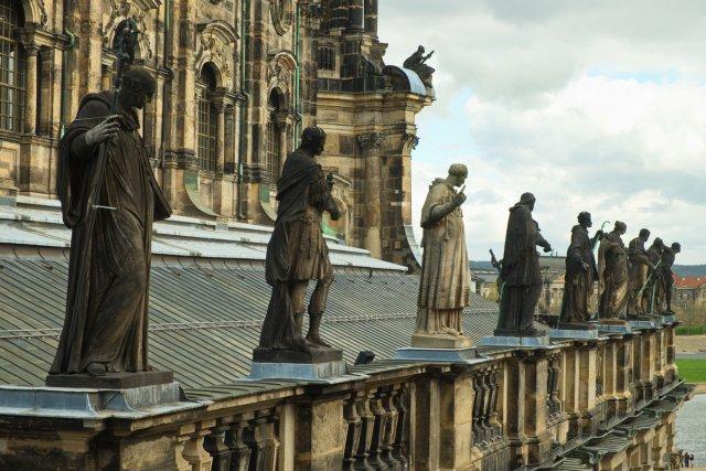katholische Hofkirche von Der Purist
