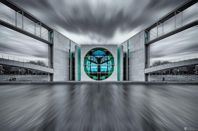 Raumschiff Bundestag von kraftberg