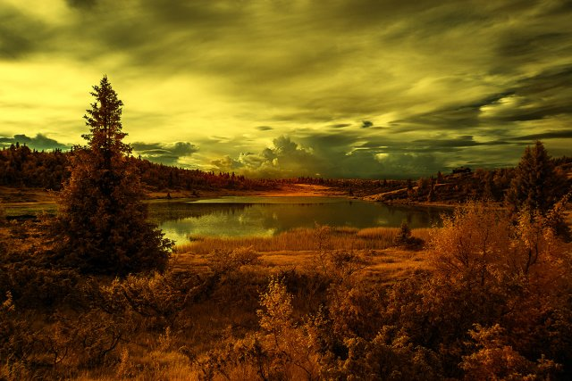Bergsee am Abend von Ralph Altmann