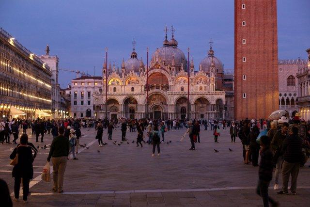 Wenn es Abend wird in Venedig.. von axol