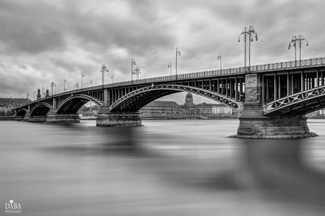 Theodor Heuss Brücke von Dyba