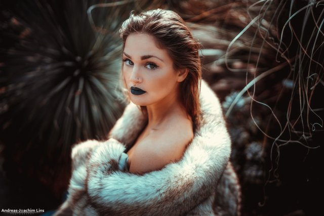Real Skin - Faked Fur von Andreas-Joachim Lins