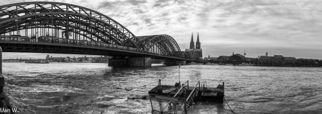 Köln mit Hohenzollernbrücke von R.Werner