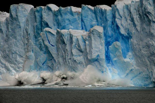Gletscherkalben - Lago Argentino von Ruggero Vienna
