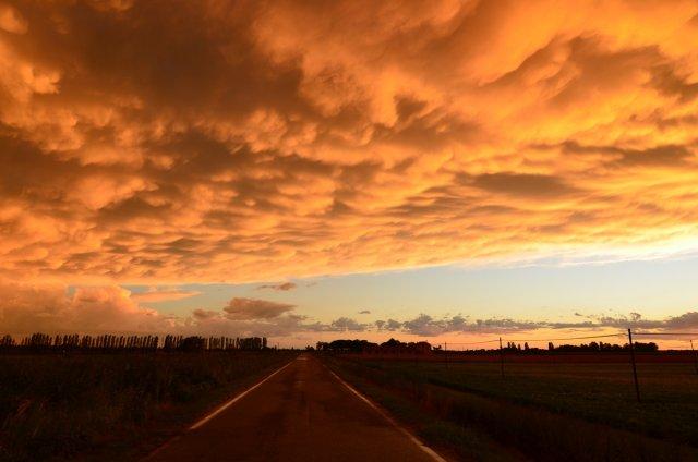 Sonnenuntergang kurz vorm Gewitter von Tanja1979