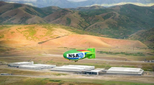 Luftschiffprotest über NSA-Rechenzentrum