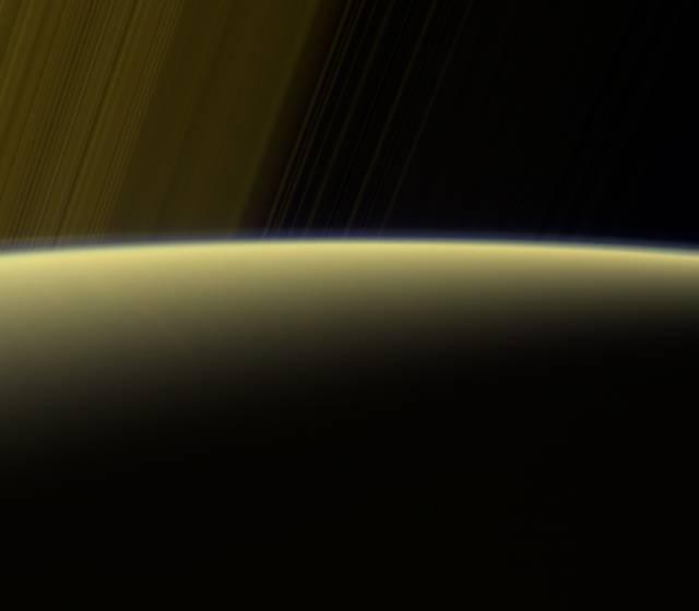 Cassini: Letzte Aufnahmen am Saturn