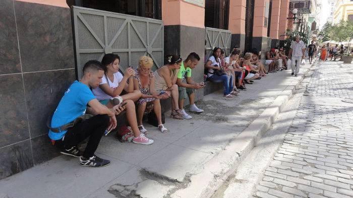 Kuba: Ein Land geht ins Internet
