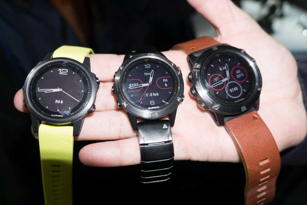 Das Aussehen der drei Uhren lässt sich mit Metall-, Silikon- oder Lederarmbändern variieren.