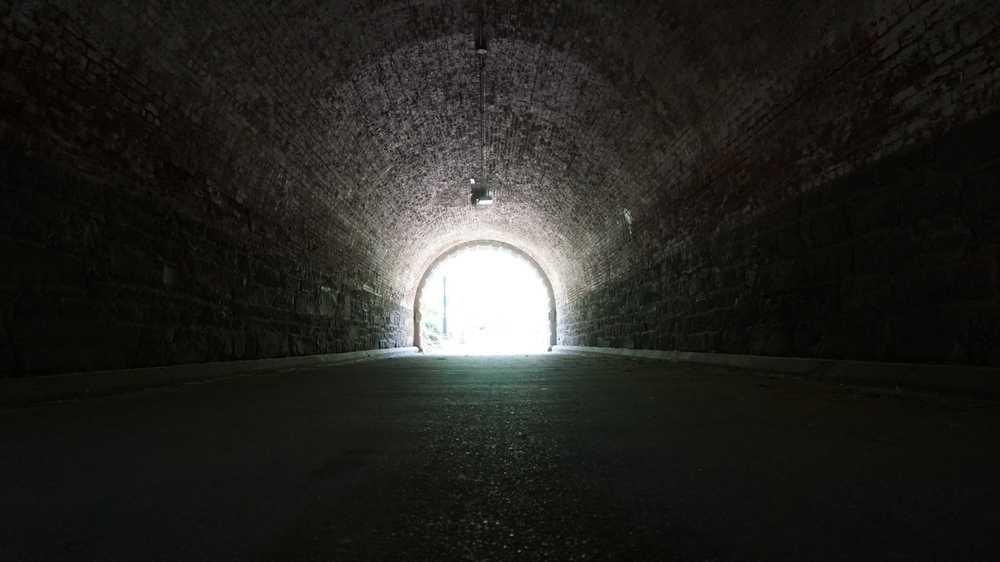 Freiheit, Tunnel, Licht