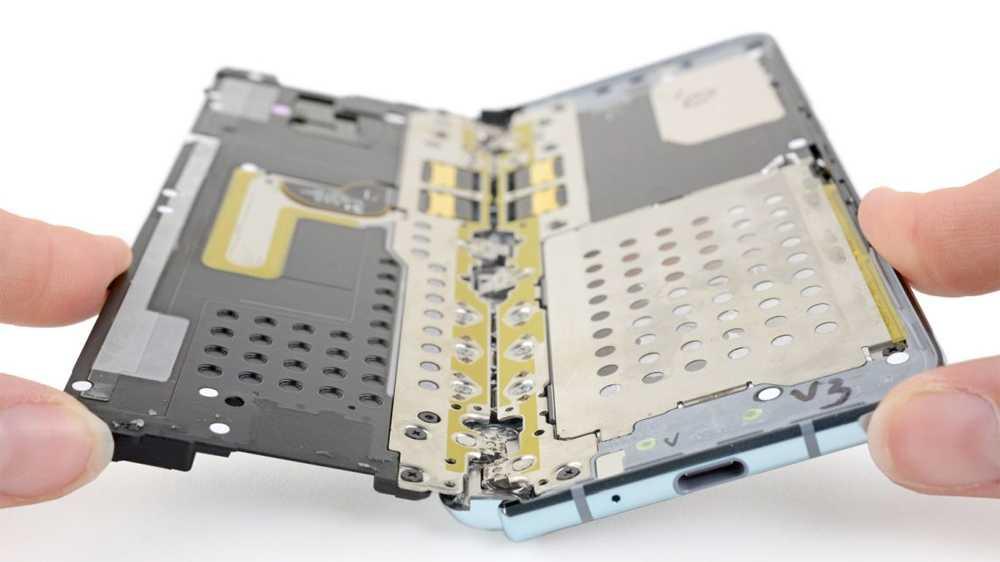 Druck von Samsung: iFixit löscht Teardown des Galaxy Fold