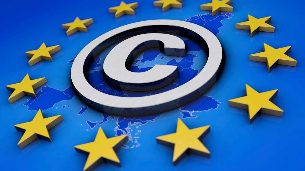 Copyright-Symbol, umringt von den Sternen der Europäischen Union.