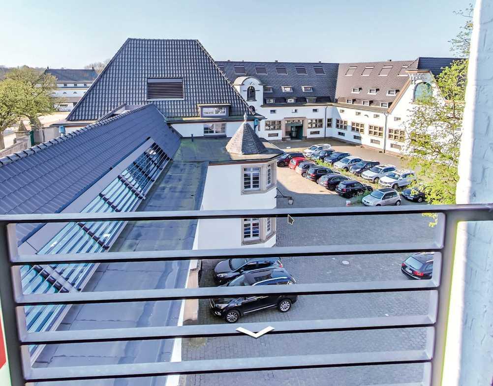 Der dreigeschossige Firmensitz von Lizengo neben dem Kölner Schloss Röttgen wirkt sehr repräsentativ.