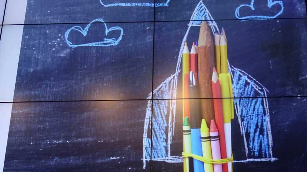 """Digitale Bildung: Ruf nach """"Social-Media-Diät"""" und Kritik an BYOD"""
