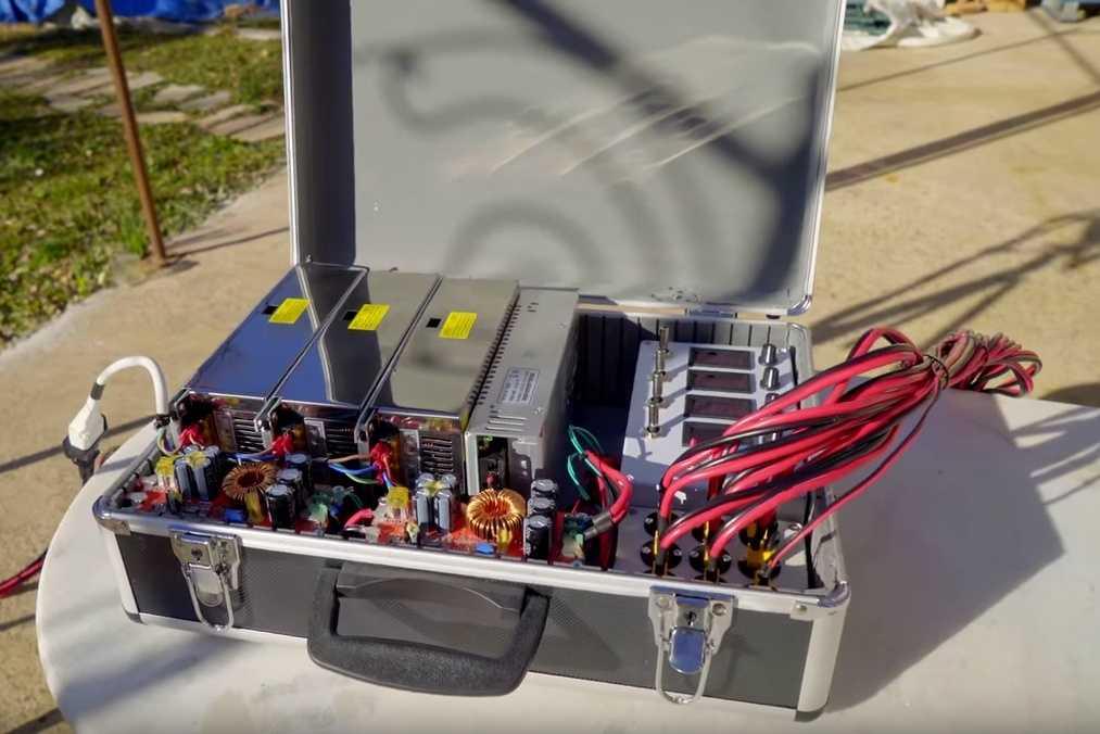 Koffer für die Spannungsversorgung
