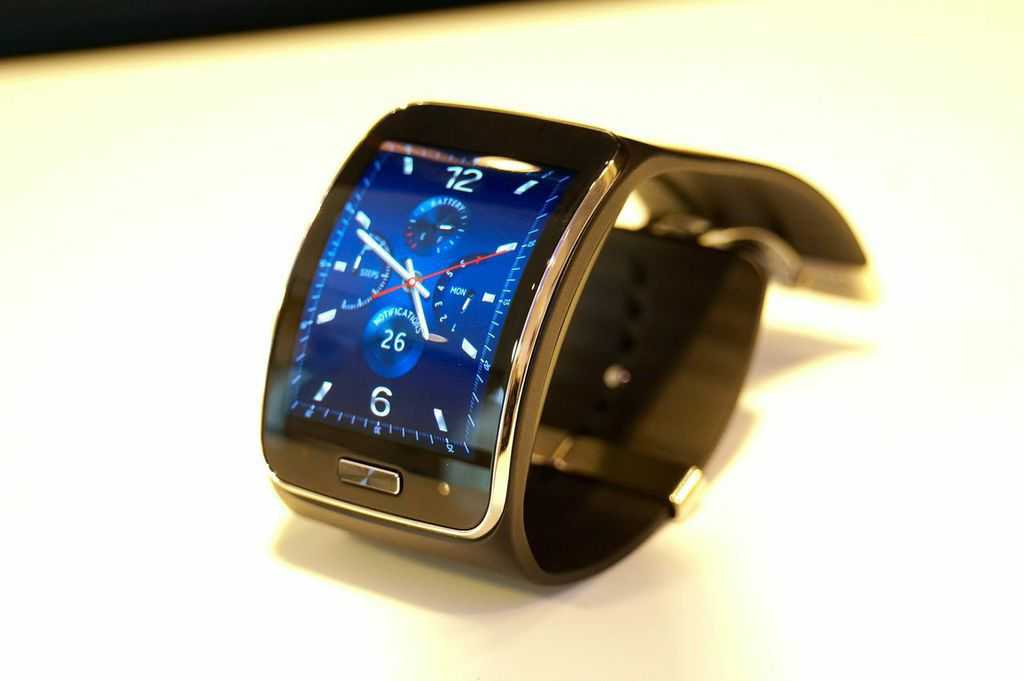 samsung gear s telefonieren mit der smartwatch heise online. Black Bedroom Furniture Sets. Home Design Ideas