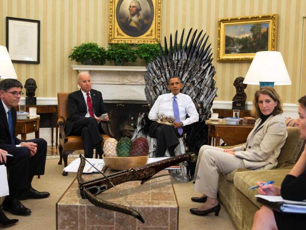 """Obama sitzt auf dem """"Throne"""""""
