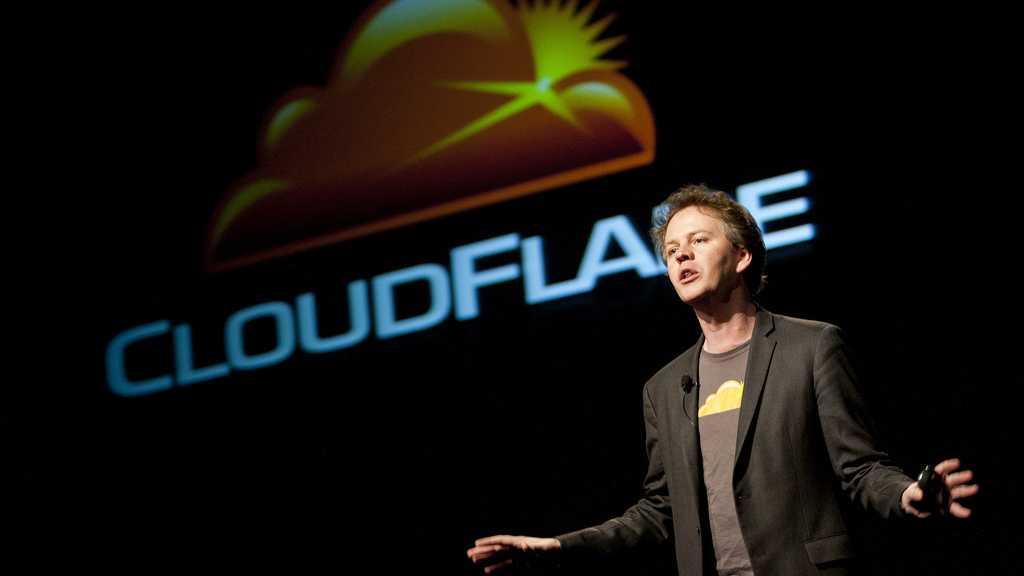 """""""Ich kann das, weil ich CEO bin"""": Cloudflare-Chef verstößt Neonazi-Seite"""