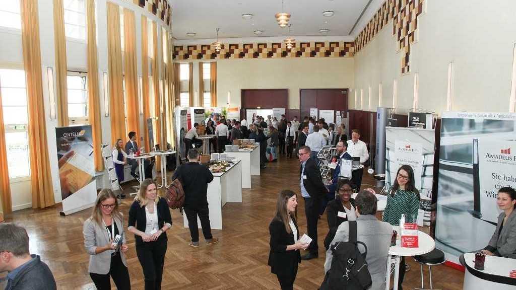 IT-Jobtag in Düsseldorf: Arbeitgeber treffen am 21. März auf Bewerber