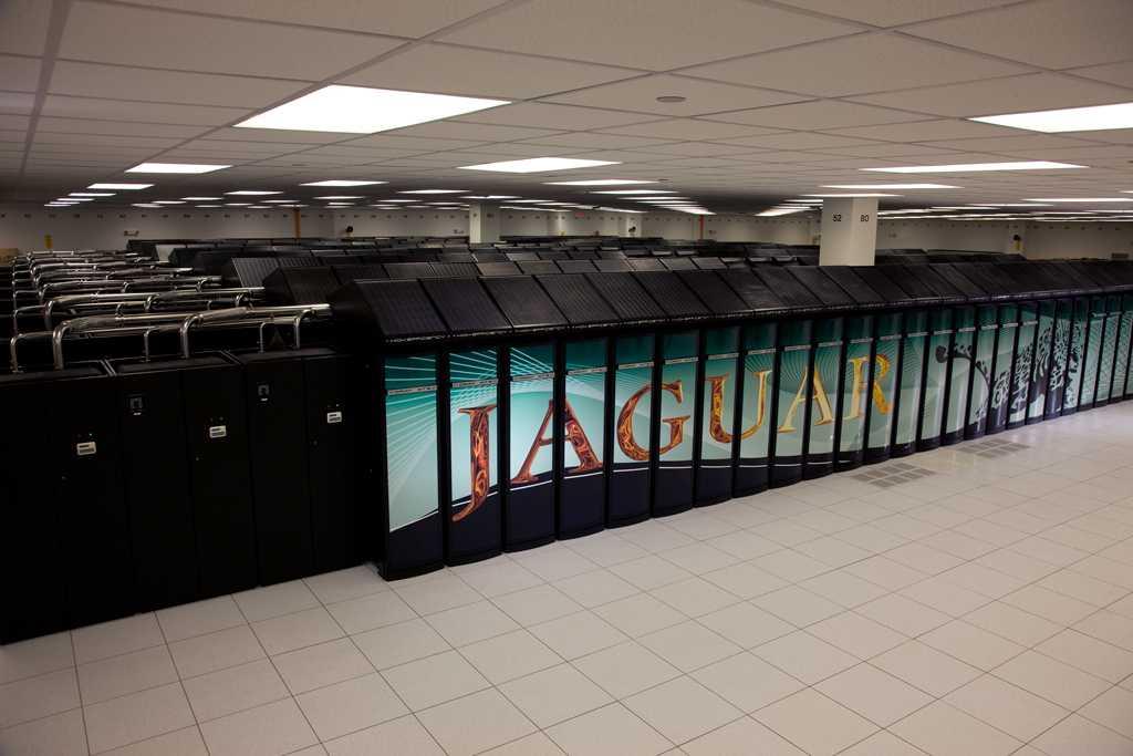 Der Jaguar des Oak Rigde National Laboratory ist der Petaflops-Rechner, der allein auf AMDs Opteron-CPUs basiert