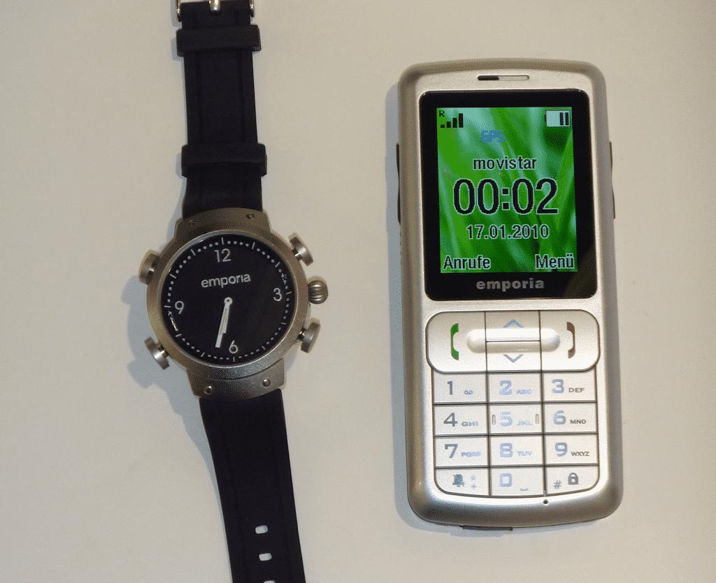 Die Notfall-Uhr mit zugeordnetem Handy