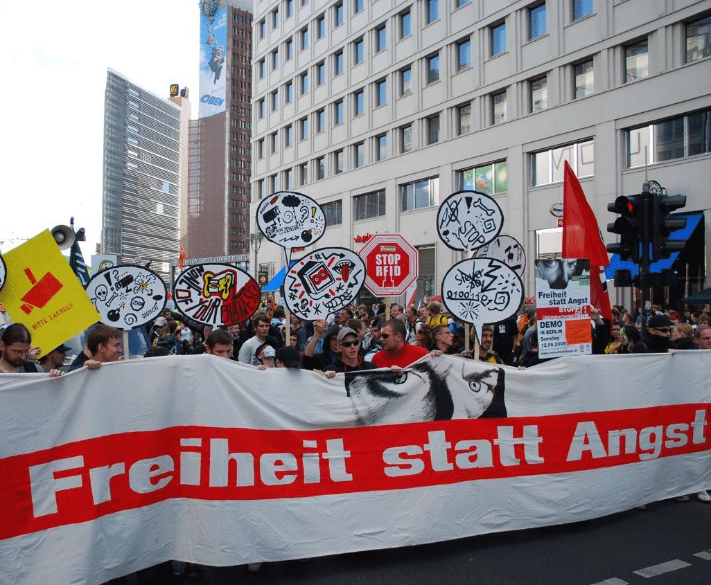 """""""Freiheit statt Angst"""" - Demo gegen den Überwachungsstaat 2009"""