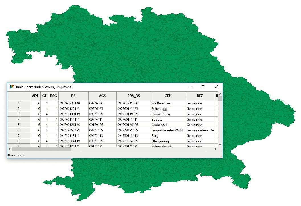 Bei GeoDa muss man das Kartenmaterial importieren. Das kann man sich bei Open Streetmap und Open Data Lab besorgen.