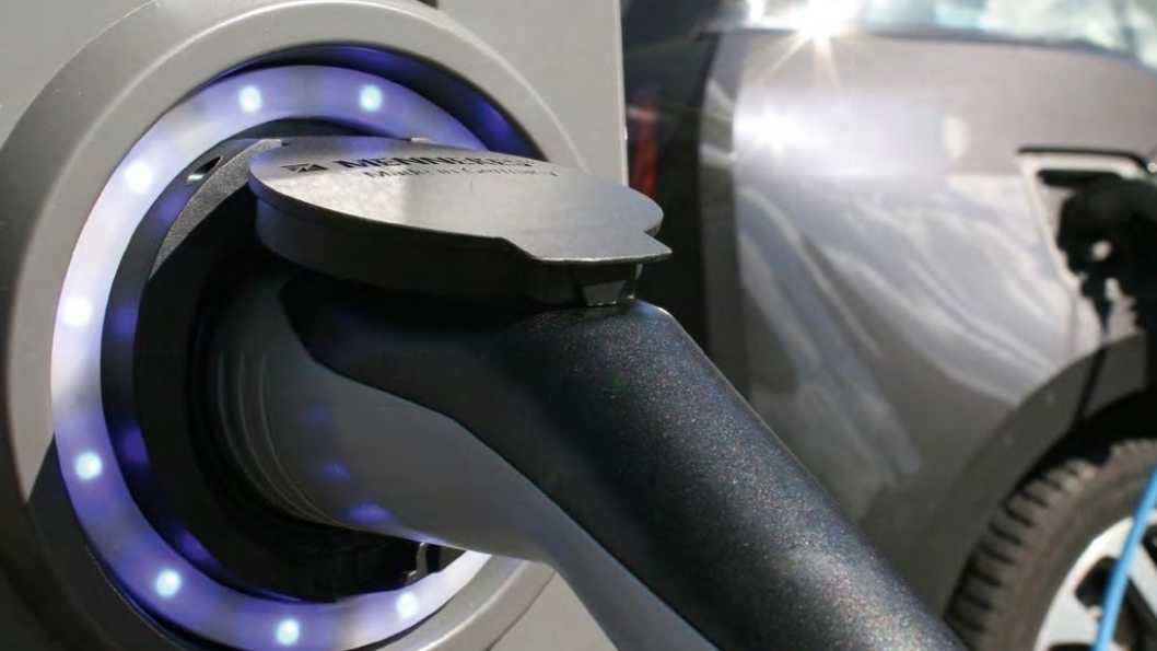 Elektroautos: Steuervorteil für Dienstwagen möglicherweise länger als geplant