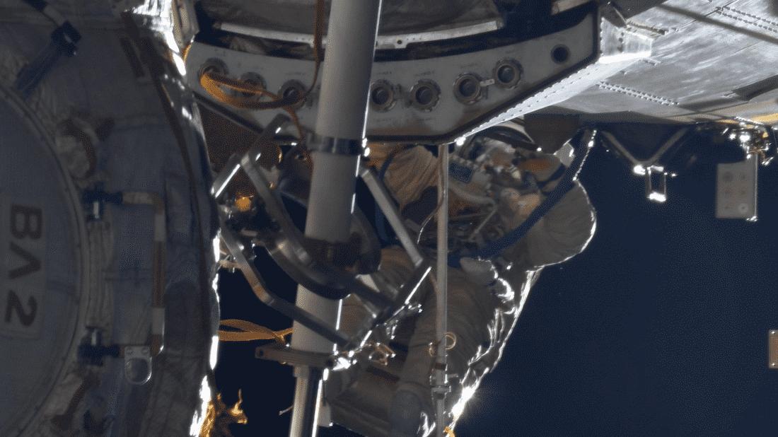 Kosmonauten verbessern Funkkontakt zwischen ISS und Flugleitstelle