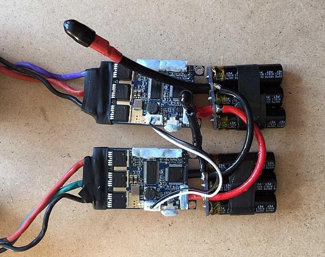 Zwei VESC-Boards