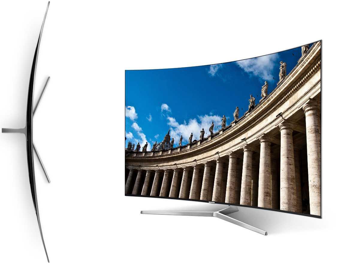 Samsung hat diverse gebogene TVs im Programm, andere TV-Hersteller bevorzugen plane Displays. Über den Sinn der curved-TVs lässt sich streiten.