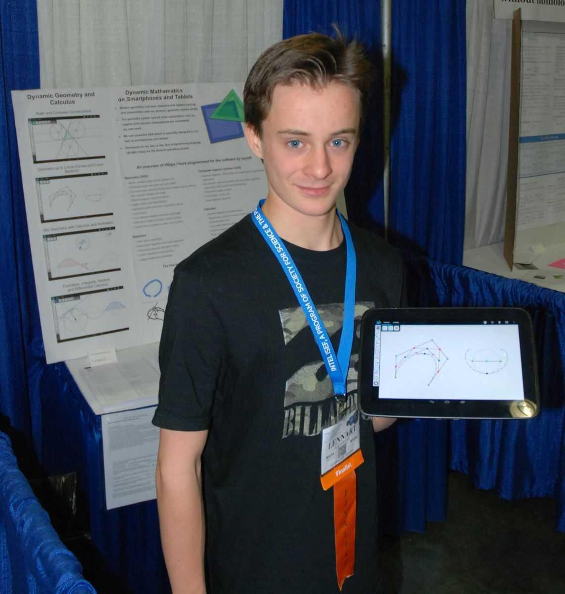 Lennart Kleinwort (15) hat eine Android-App programmiert, die das Ergebnis mathematischer Berechnungen grafisch darstellt und per Touch-Eingabe deren Manipulation erlaubt.