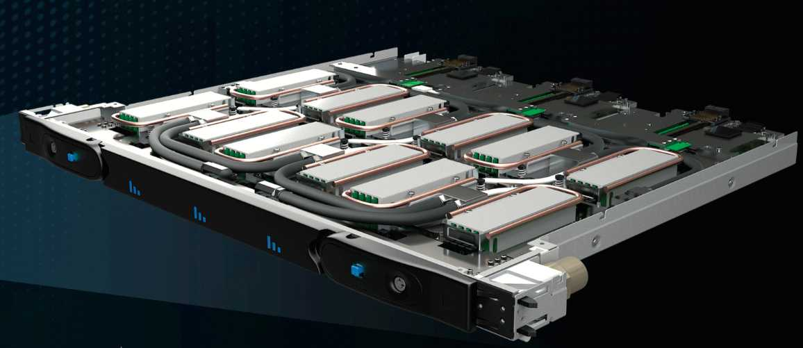 Sechs wassergekühlte AMD Epyc 7H12 packt Atos auf einen Einschub für den Supercomputer Bullsequana XH2000.