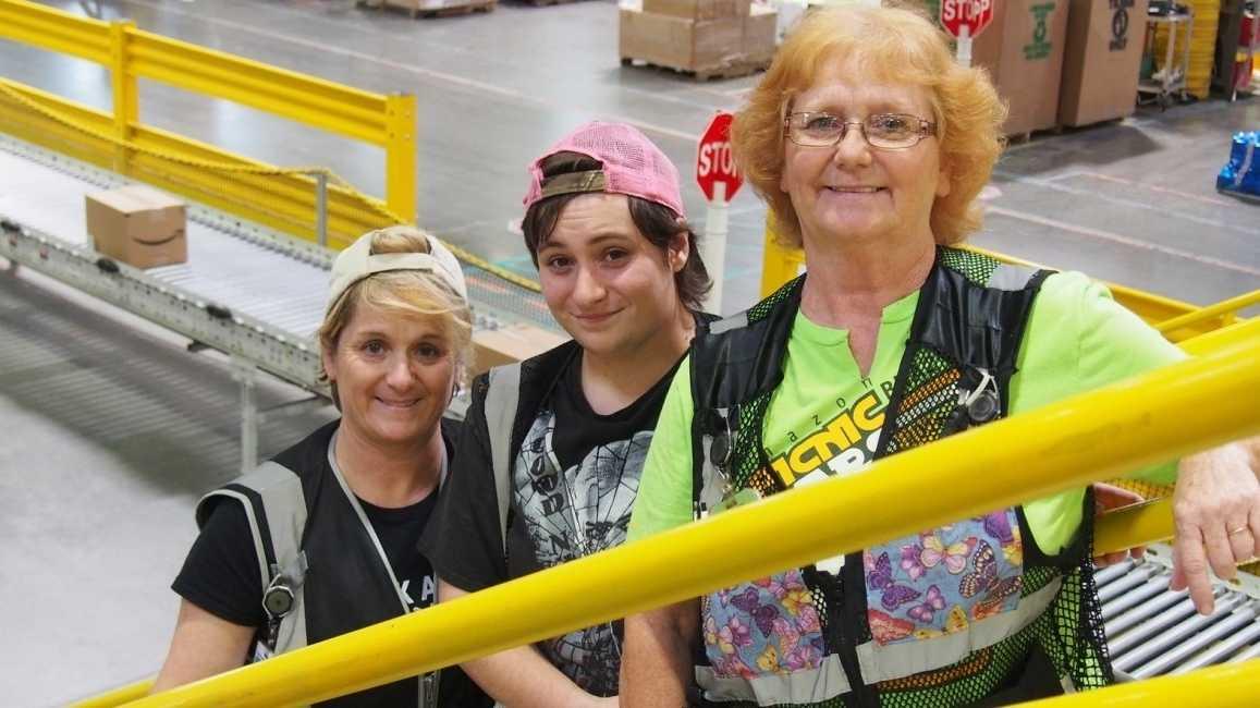 Amazon setzt Mindestlohn für US-Mitarbeiter auf 15 Dollar