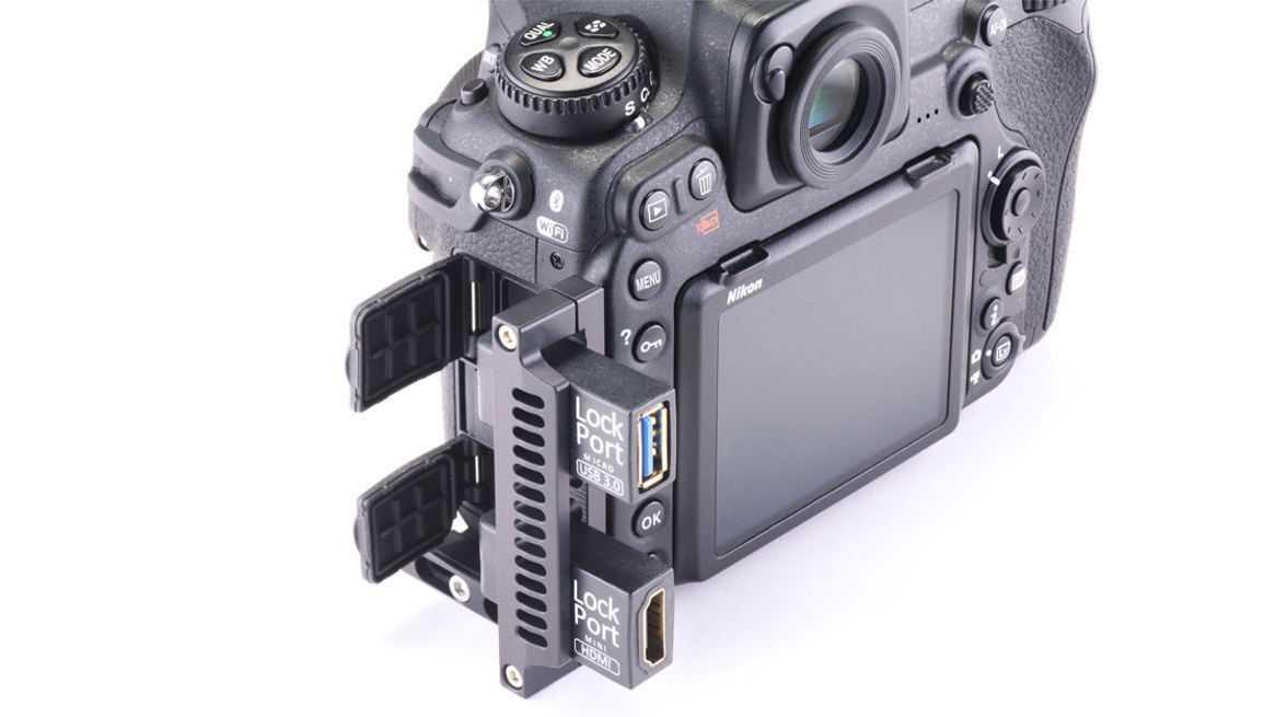Entlastung für die HDMI- und USB 3.0-Buchsen der Nikon D500