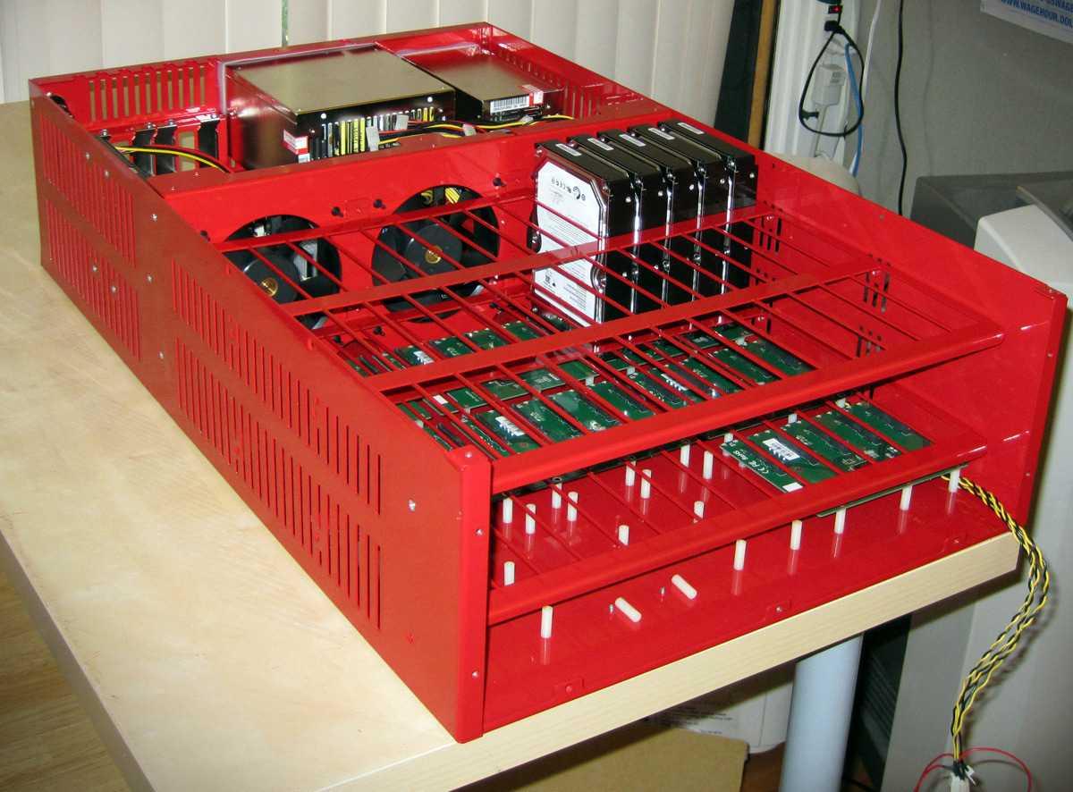 Backblaze Storage Pod mit SATA-Backplane