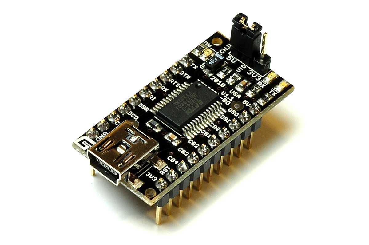 Beispiel für ein FTDI-Breakout Board. Der Jumper ist momentan auf 5V eingestellt.