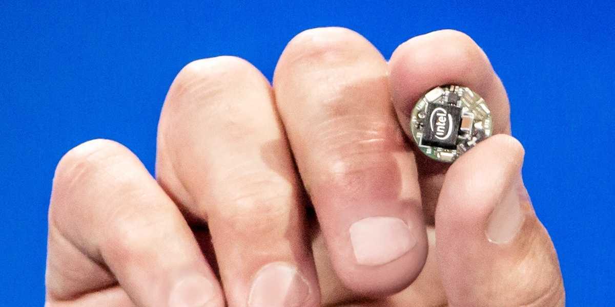 Intels Entwicklungsplatine Curie soll den Einstieg ins Internet der Dinge vereinfachen und dem Quark-Prozessor Verbreitung sichern.