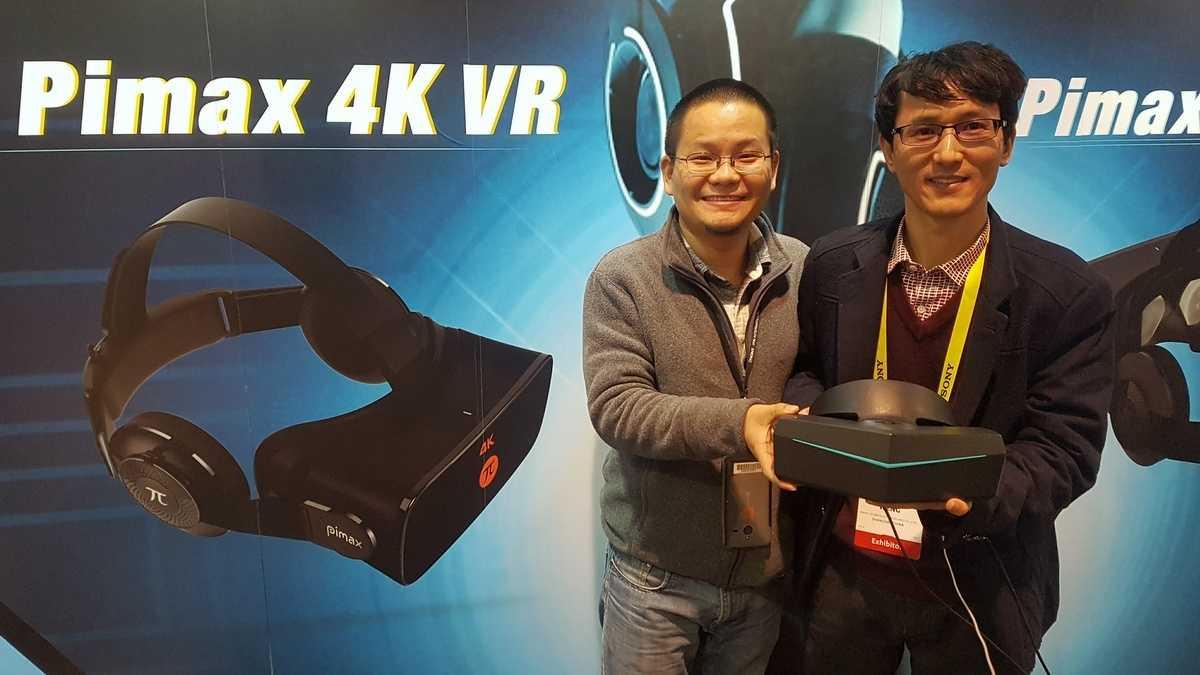 Der Pimax-Vorstand präsentiert die 8K-VR-Brille (von links): COO Veni Tang und CEO Robin Weng.