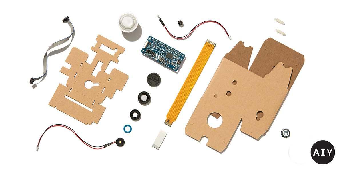 Die Teile des Kits. Ein Pi Zero W, die Kamera und SD-Karte muss man zusätzlich kaufen.