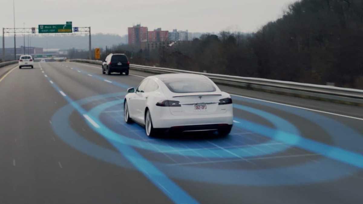 """Autopilot"" 9.0: Tesla-Chef kündigt erste Funktionen für autonomes Fahren an"