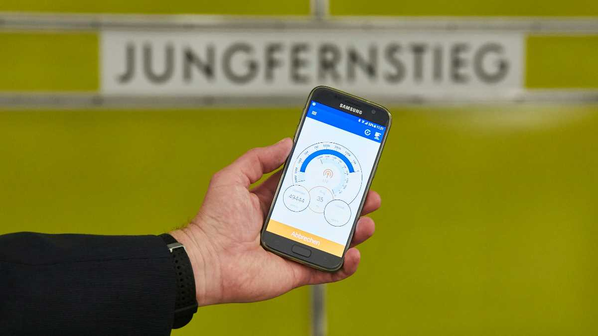 Highspeed-LTE unter Tage: WM-Streams in der Hamburger U-Bahn