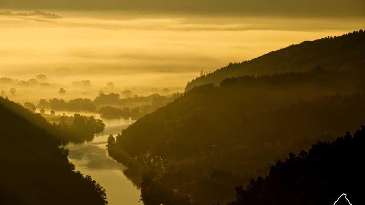 Wenn die Sonne auf- und untergeht: Die Bilder der Woche (KW 45)