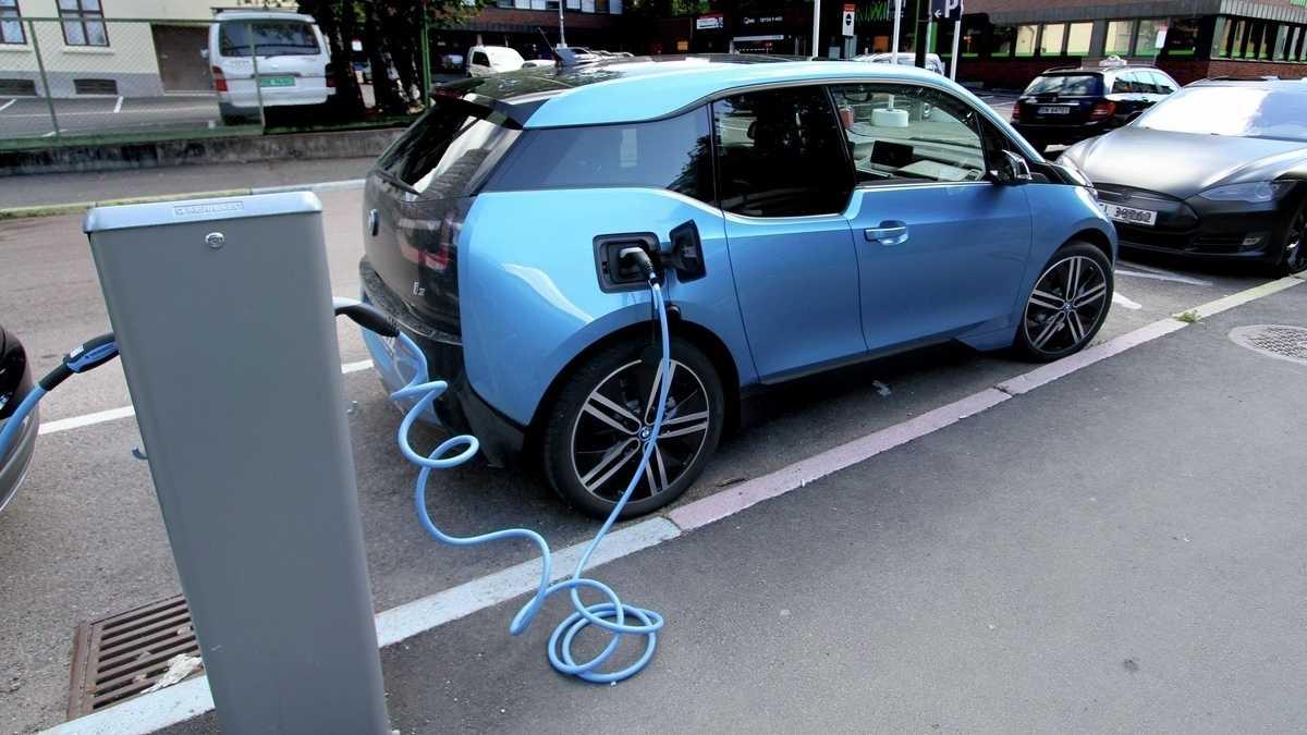 Elektroautos: Norweger kaufen erstmals mehr E-Autos als Verbrenner