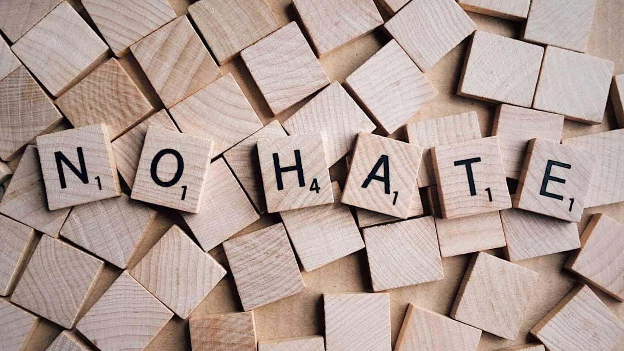 Rufe nach Meldepflicht für Hass-Postings in sozialen Netzwerken